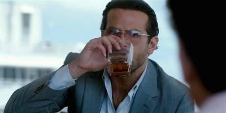 bradley-cooper-drinking-war-dogs